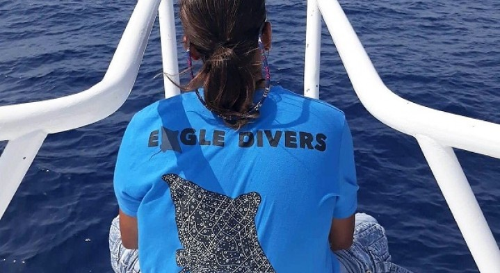 We need your creativity! Submit your designs to win our next dive centre T-shirt!